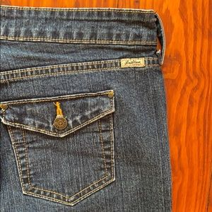 Levi's Stretch bootcut jeans button pockets seams